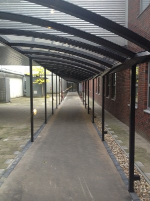 Walkways and bicycle shelter for Medical Spectrum Twente