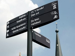 Signposting for pedestrians in the City of Halle (B)
